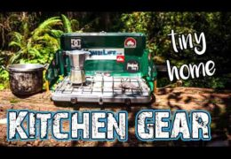 Minimalist Kitchen Items for Mobile Living // Van Life Gear Guide