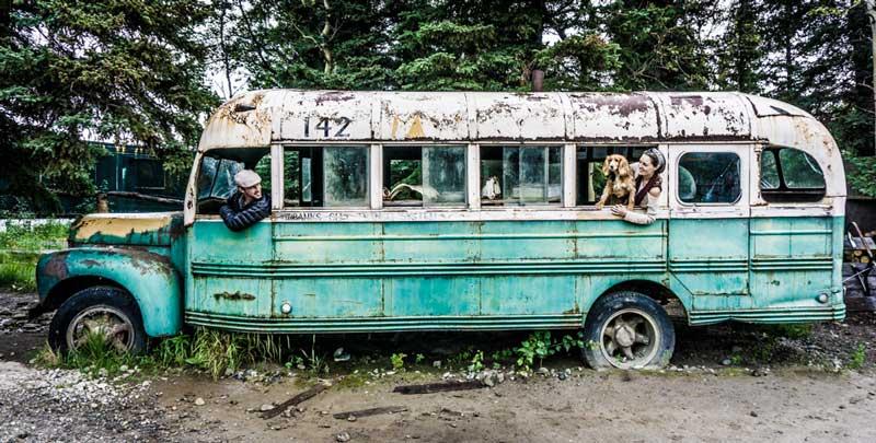 into-the-wild-bus-alaska